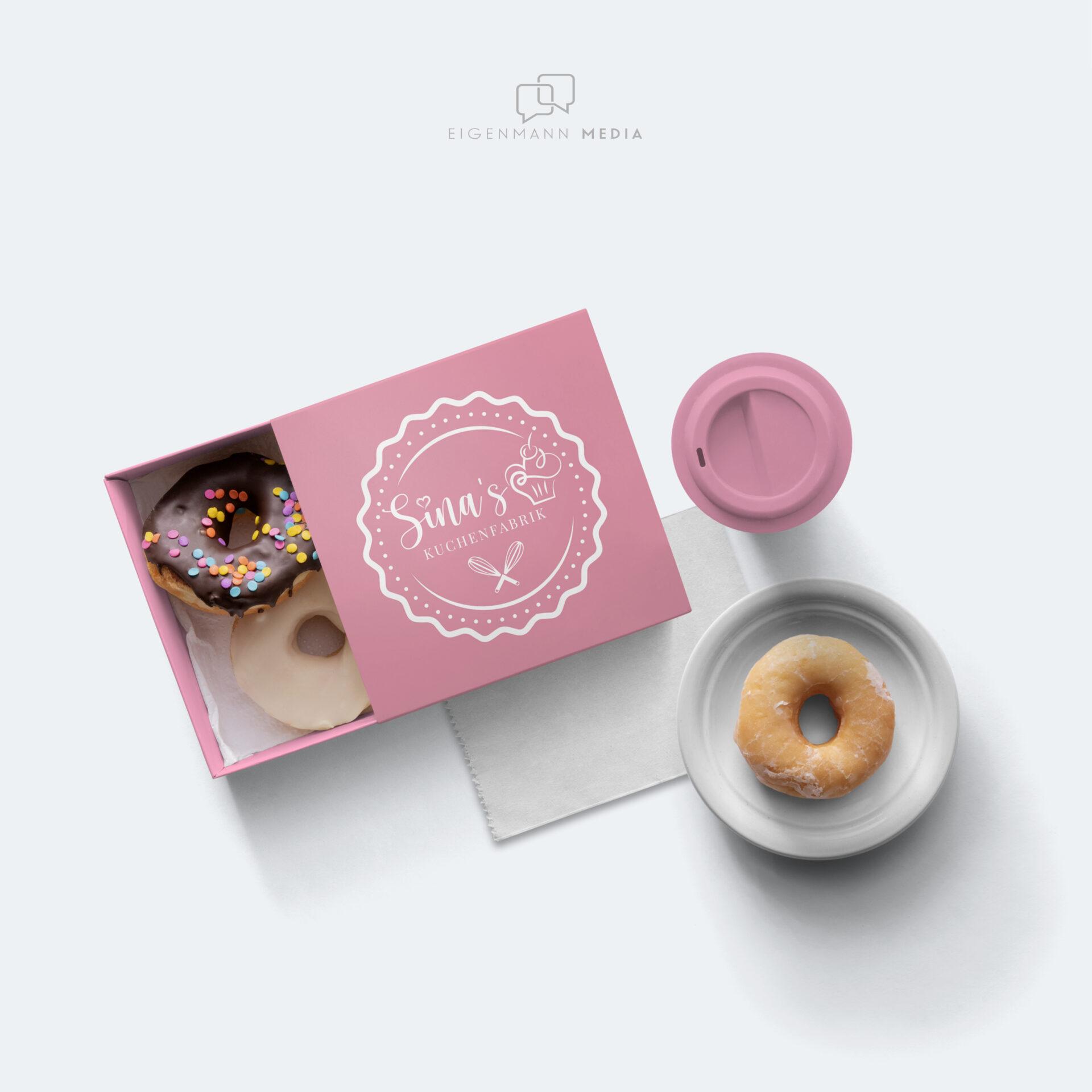 Sina's Kuchenfabrik Verpackung Mockup Logo